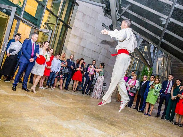 La boda de Paul y Nadia en Bilbao, Vizcaya 14