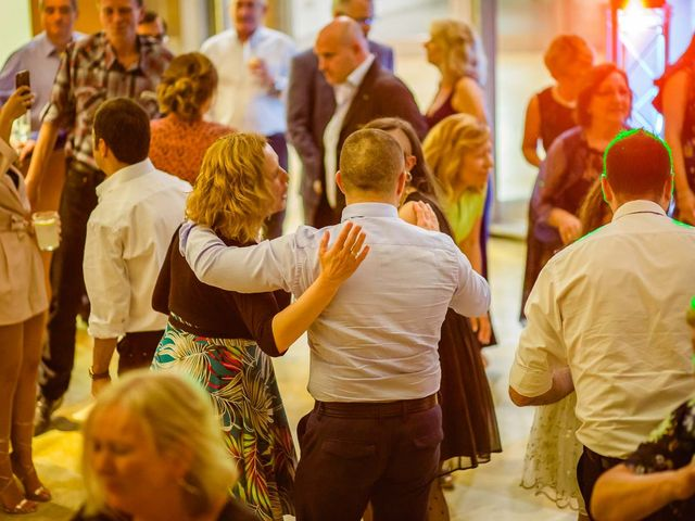 La boda de Paul y Nadia en Bilbao, Vizcaya 31