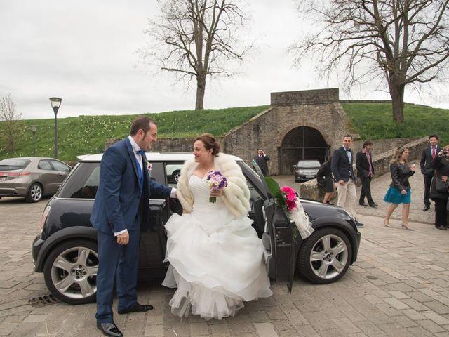 La boda de Iker y Ana en Pamplona, Navarra 14