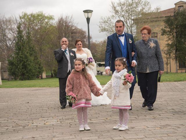 La boda de Iker y Ana en Pamplona, Navarra 16