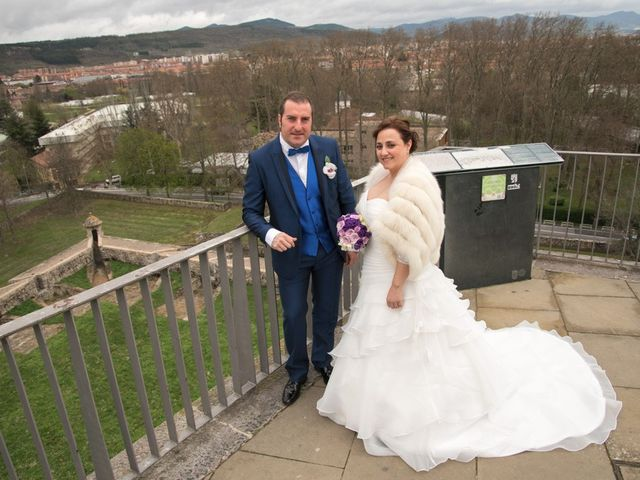 La boda de Iker y Ana en Pamplona, Navarra 26