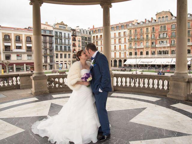 La boda de Iker y Ana en Pamplona, Navarra 32