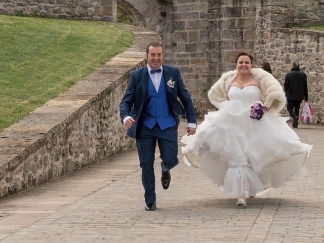 La boda de Iker y Ana en Pamplona, Navarra 38