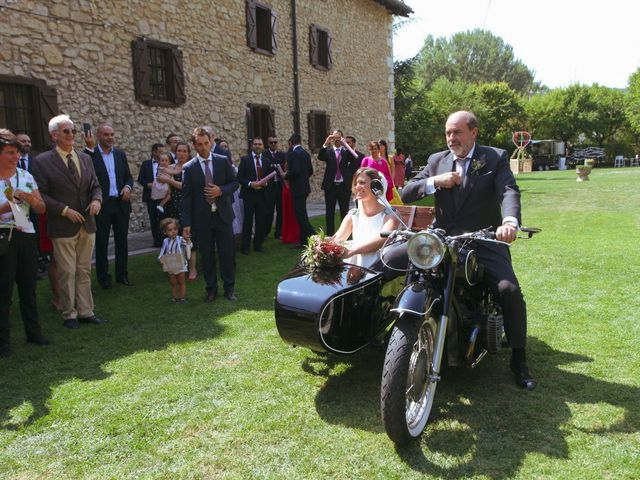 La boda de Carlos y Amaia en Ventas De Armentia, Burgos 47