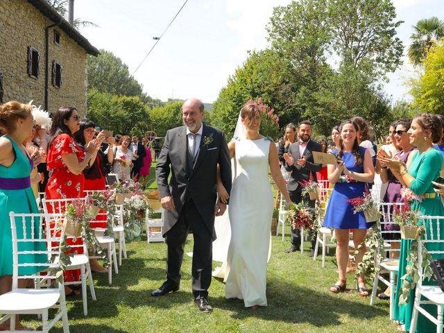 La boda de Carlos y Amaia en Ventas De Armentia, Burgos 51