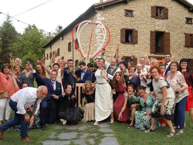 La boda de Carlos y Amaia en Ventas De Armentia, Burgos 144