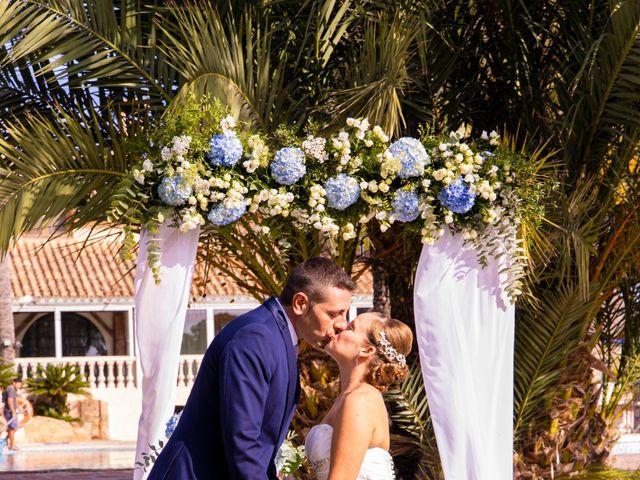La boda de Domingo y Mar en Benidorm, Alicante 24