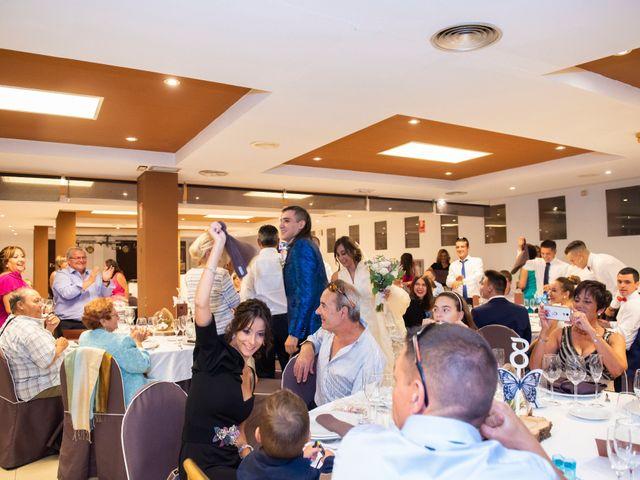 La boda de David y Leticia en Nuevalos, Zaragoza 12