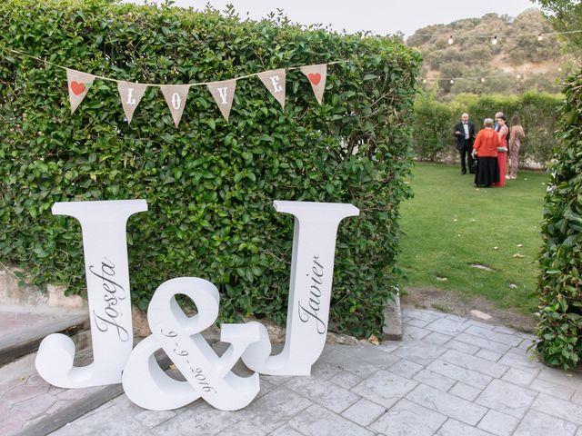 La boda de Javier y Josefa en El Molar, Madrid 16