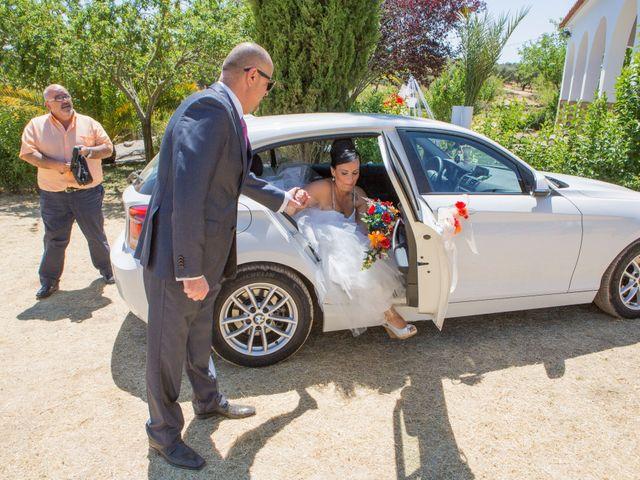 La boda de Juanma y Verónica en Segura De Leon, Badajoz 15