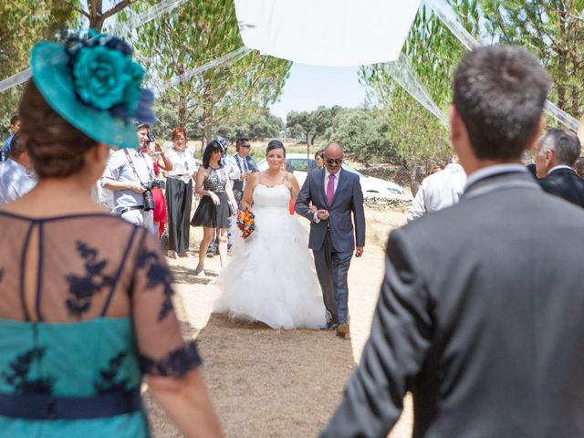 La boda de Juanma y Verónica en Segura De Leon, Badajoz 16