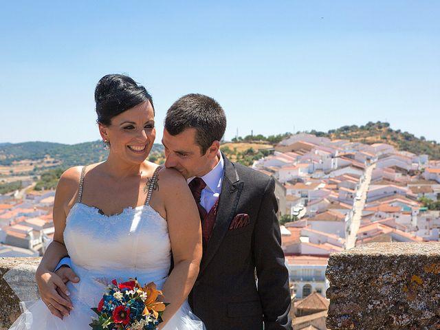 La boda de Juanma y Verónica en Segura De Leon, Badajoz 27