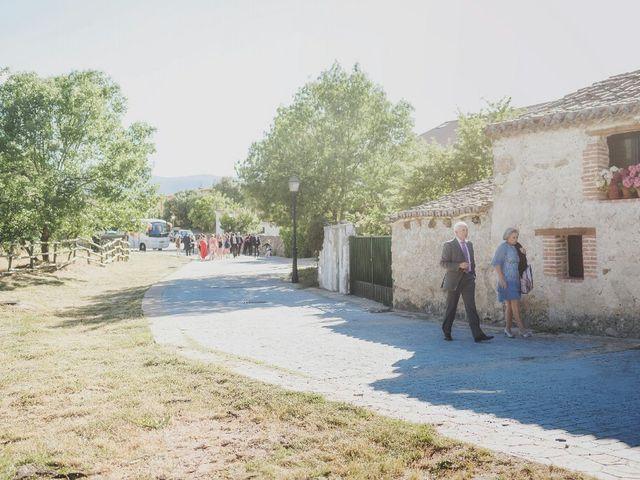 La boda de Juampe y Isabel en Pinilla Del Valle, Madrid 21
