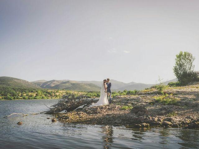La boda de Juampe y Isabel en Pinilla Del Valle, Madrid 41