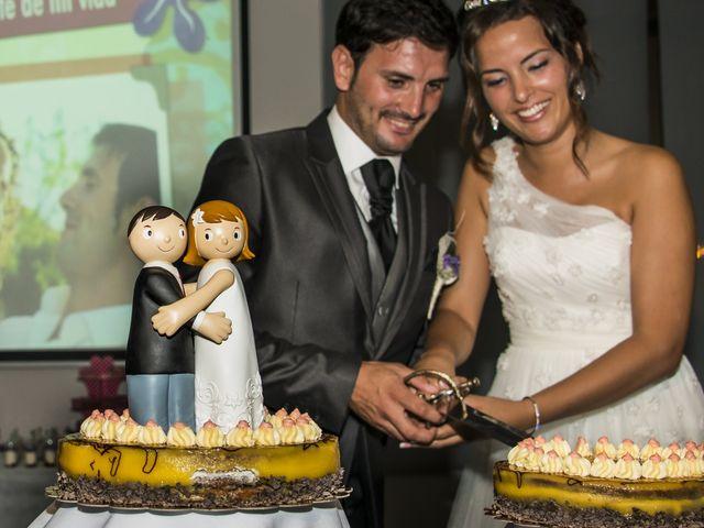 La boda de Javi y Issis en Torrent, Valencia 22
