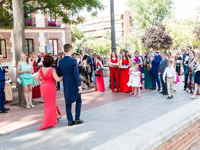 La boda de Jose y Sara en Pinto, Madrid 10