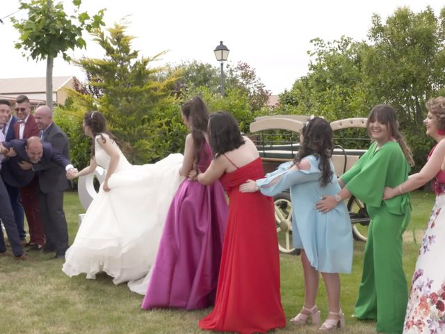 La boda de David y Silvia en Arevalo, Ávila 51