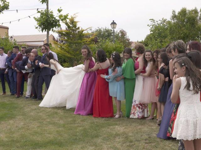 La boda de David y Silvia en Arevalo, Ávila 52