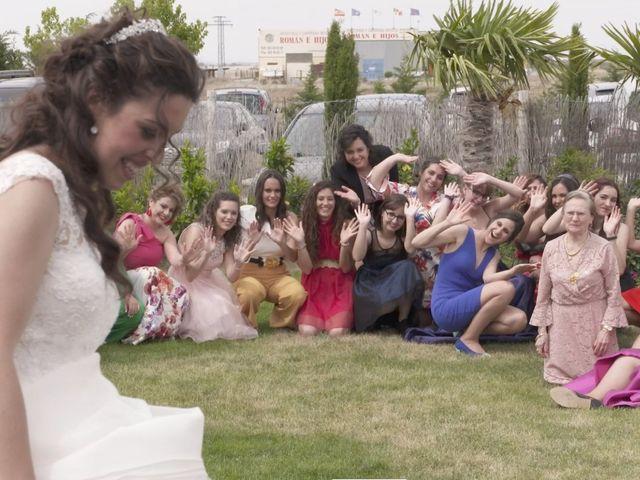 La boda de David y Silvia en Arevalo, Ávila 53