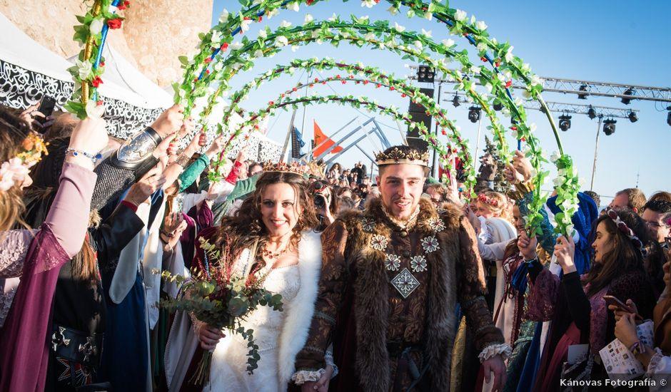 La boda de Hipolito y Laura en Villena, Alicante