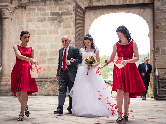 La boda de Borja y Natalia en Corcoles, Guadalajara 28