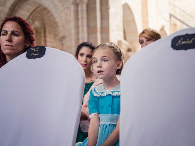 La boda de Borja y Natalia en Corcoles, Guadalajara 32