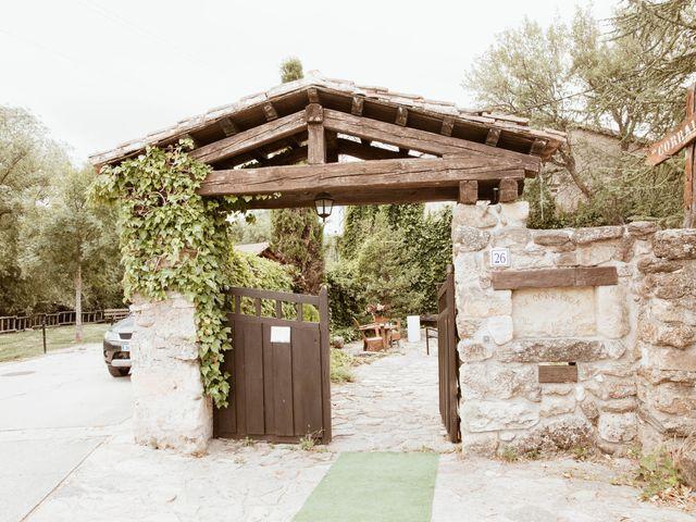La boda de Adrián y Mónica en Pinilla Del Valle, Madrid 35