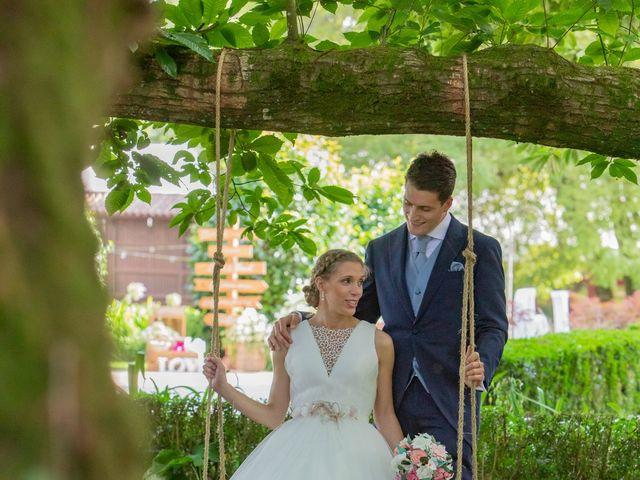 La boda de Daniel y Lorena en O Bidueiro (Ordes), A Coruña 24