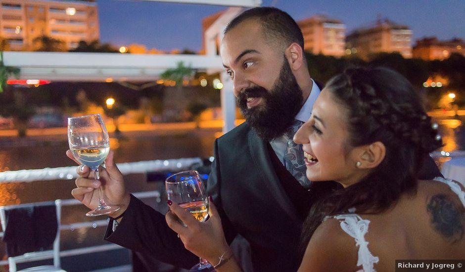 La boda de Luis Miguel y Carmen en Sevilla, Sevilla