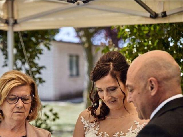 La boda de Roberto y Raquel en Burgos, Burgos 16