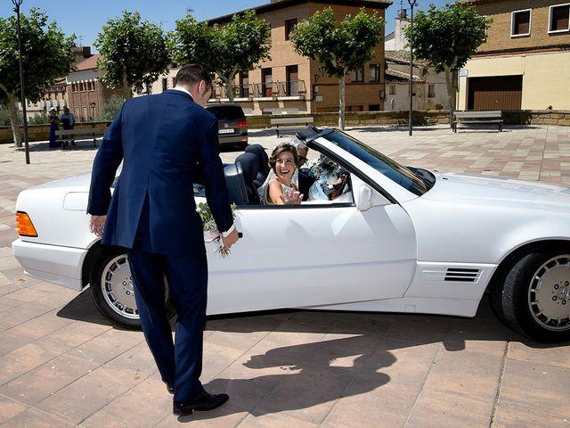 La boda de Javier y Pilar en Ejea De Los Caballeros, Zaragoza 41