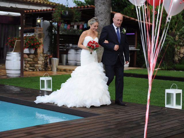 La boda de Jose y Anca en Pueblo Sant Climent De Peralta, Girona 18