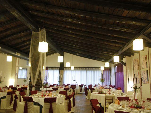La boda de Jose y Anca en Pueblo Sant Climent De Peralta, Girona 27
