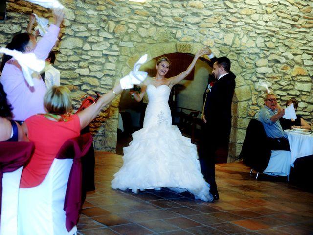 La boda de Jose y Anca en Pueblo Sant Climent De Peralta, Girona 37