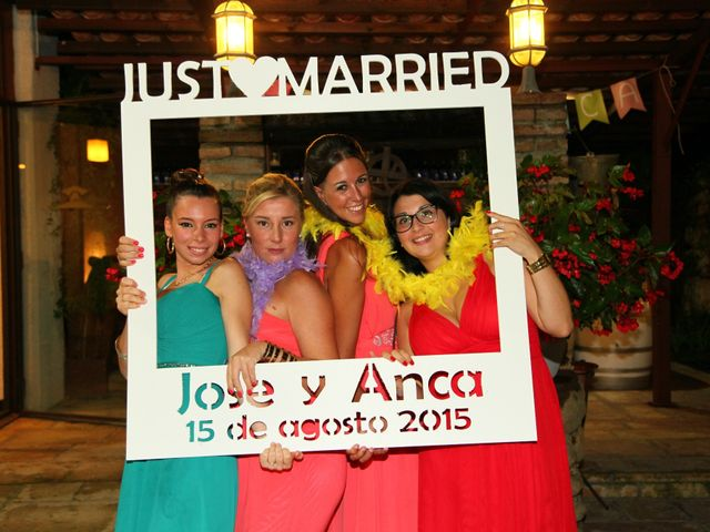 La boda de Jose y Anca en Pueblo Sant Climent De Peralta, Girona 42