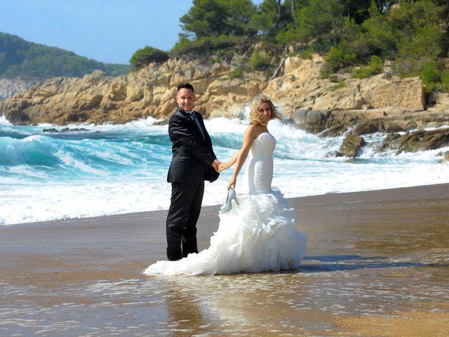 La boda de Jose y Anca en Pueblo Sant Climent De Peralta, Girona 45