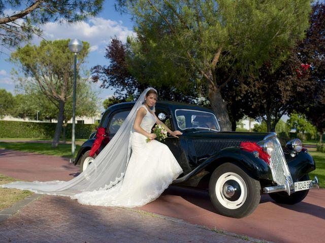 La boda de Sandra y David en El Olivar, Madrid 2
