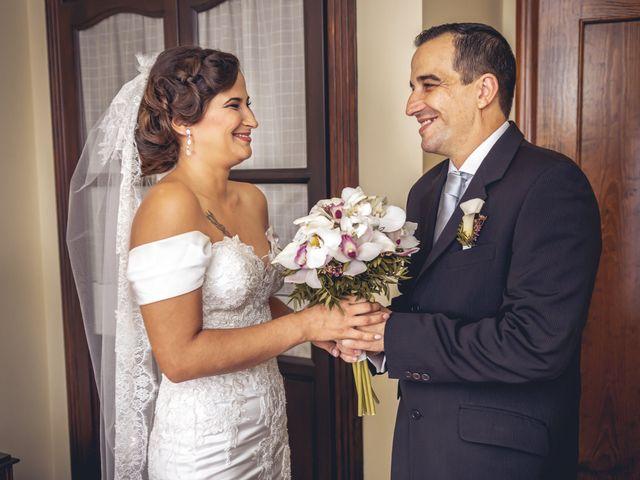 La boda de Pablo y Maria Del Mar en Adra, Almería 16
