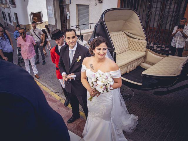La boda de Pablo y Maria Del Mar en Adra, Almería 24