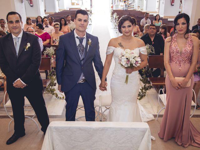 La boda de Pablo y Maria Del Mar en Adra, Almería 27