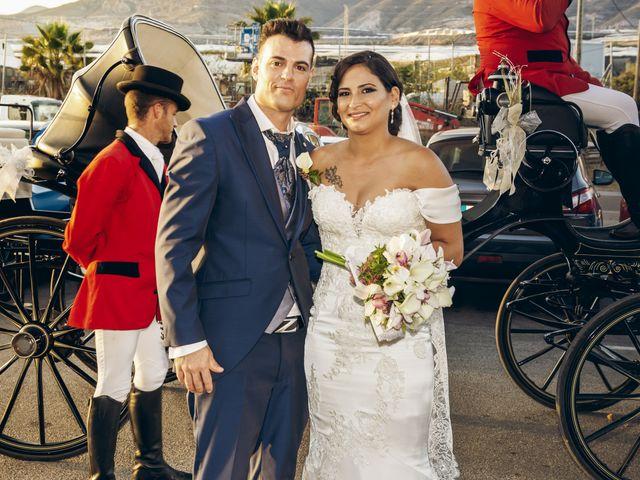 La boda de Pablo y Maria Del Mar en Adra, Almería 55