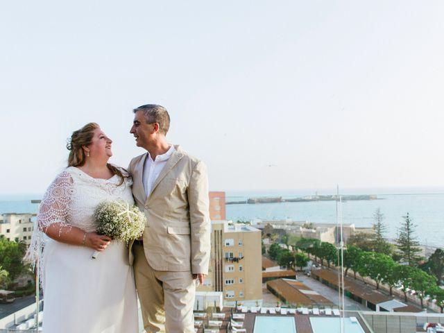 La boda de Antonio y Mari Carmen en Cádiz, Cádiz 43