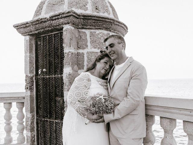 La boda de Antonio y Mari Carmen en Cádiz, Cádiz 47