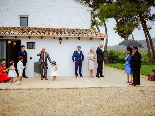 La boda de Shane y Neus en Xàtiva, Valencia 35
