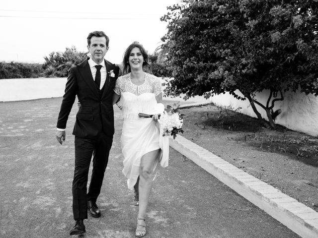 La boda de Elena y Carmelo en Valencia, Valencia 37