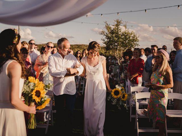 La boda de Capucine y Celia en Caracuel De Calatrava, Ciudad Real 44