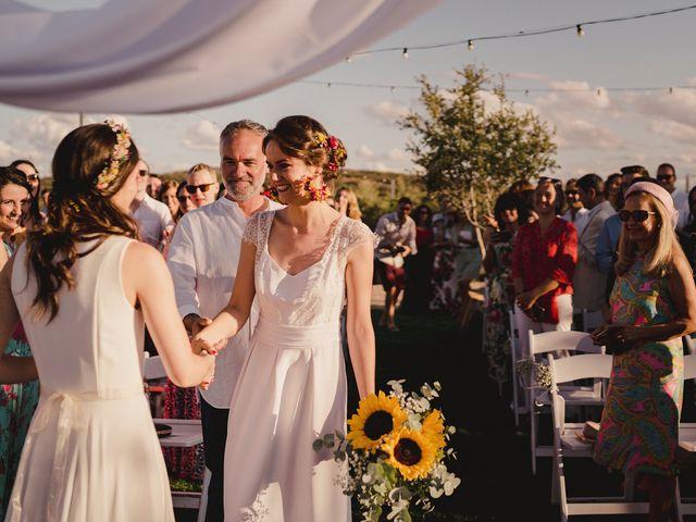La boda de Capucine y Celia en Caracuel De Calatrava, Ciudad Real 45