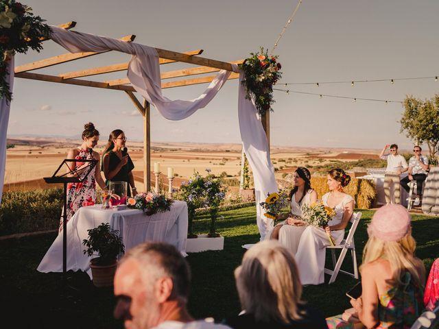 La boda de Capucine y Celia en Caracuel De Calatrava, Ciudad Real 47