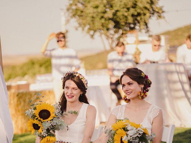 La boda de Capucine y Celia en Caracuel De Calatrava, Ciudad Real 53
