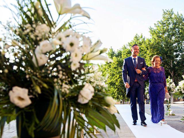 La boda de Adolfo y Isabel en Linares, Jaén 15